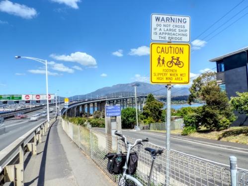 Tasman Bridge 11 V small