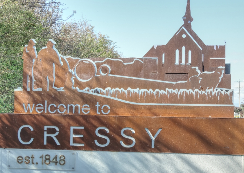 01 - Ross - Cressy Entry Sign